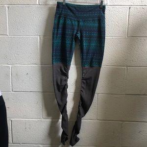 ALO Yoga Pants - Alo yoga green & gray goddess legging sz s 60901